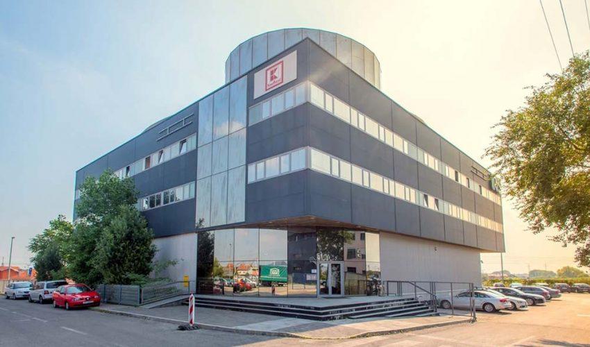 BRANIMIROVA Moderna poslovna zgrada se nalazi na novoj Branimirovoj ulici u okruženju novih građevina poslovne namjene.