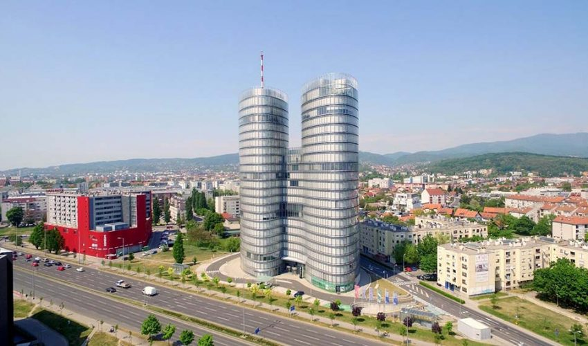 SKY OFFICE Sky Office smješten je na zapadnom dijelu grada na Zagrebačkoj Aveniji te je dio zapadne poslovne zone Grada Zagreba.